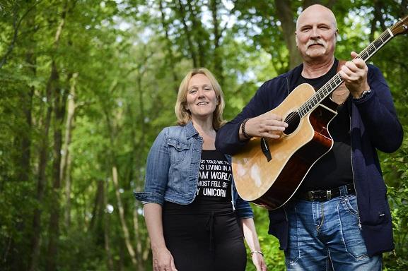 JustUs brengt debuutalbum uit: 'Mensen waren ontroerd door onze muziek'